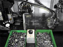 ベアリング圧入装置
